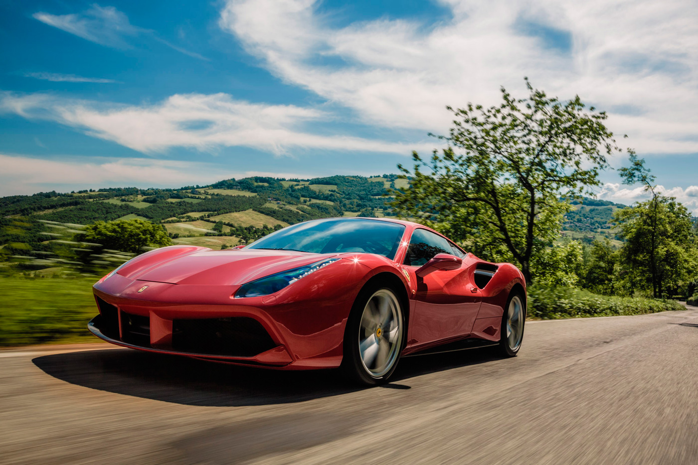 video brand new ferrari 488 gtb does 341km h on the autobahn. Black Bedroom Furniture Sets. Home Design Ideas