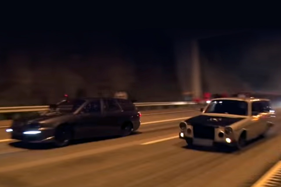 Video: This is how they do street racing in Sweden! Old Volvos with ...