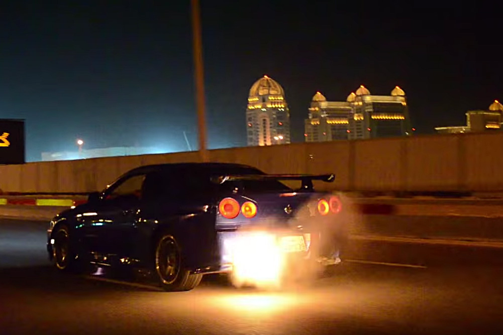 Genial Nissan Skyline,r34 Gt R,flames,huge Flames,flame Popping,