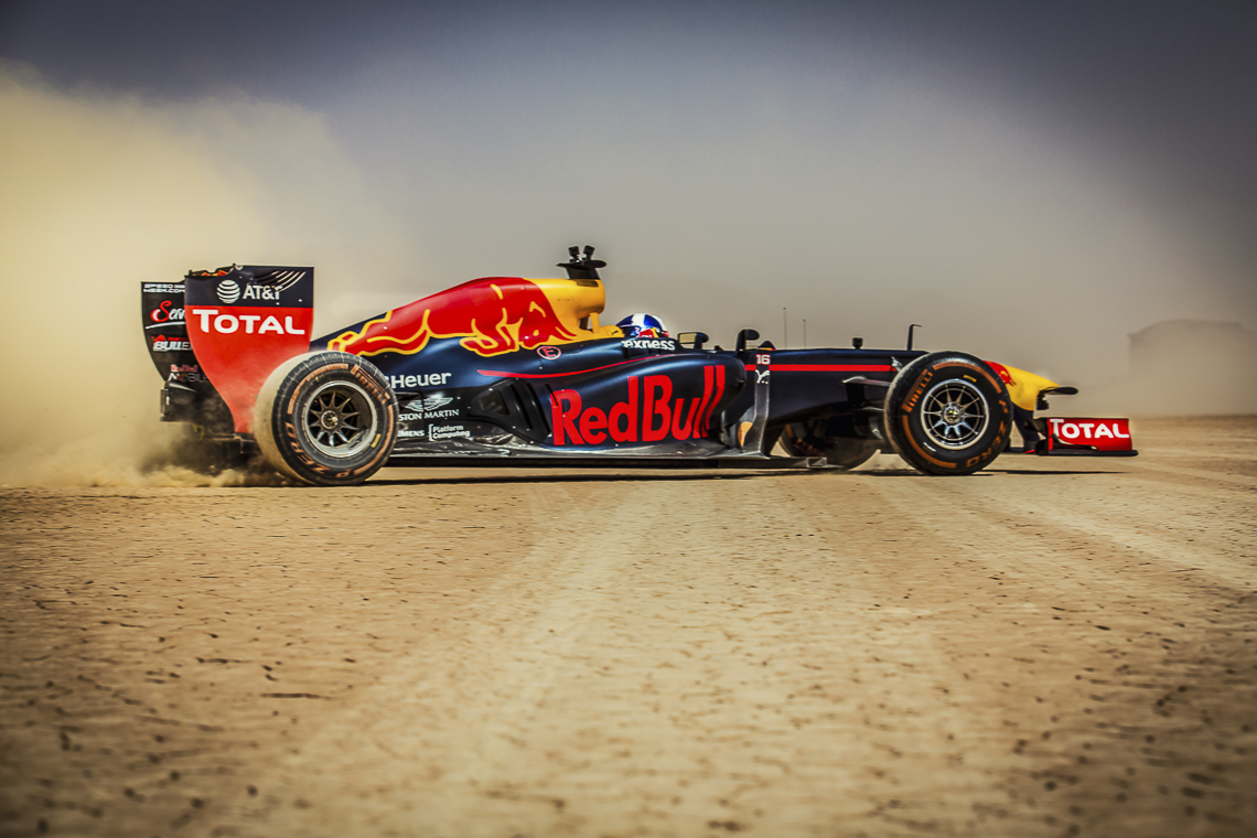 Video: David Coulthard goes off-roading in a Red Bull F1 car in Jordan!