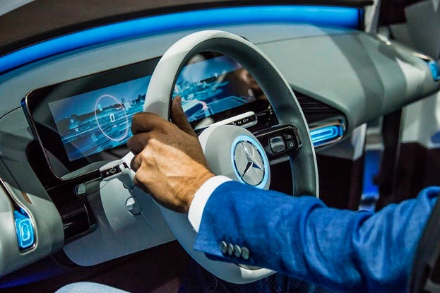 Video: A Peak At Mercedes