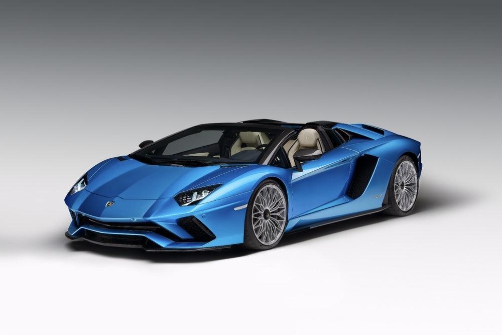 The Lamborghini Aventador S loses the roof... 1