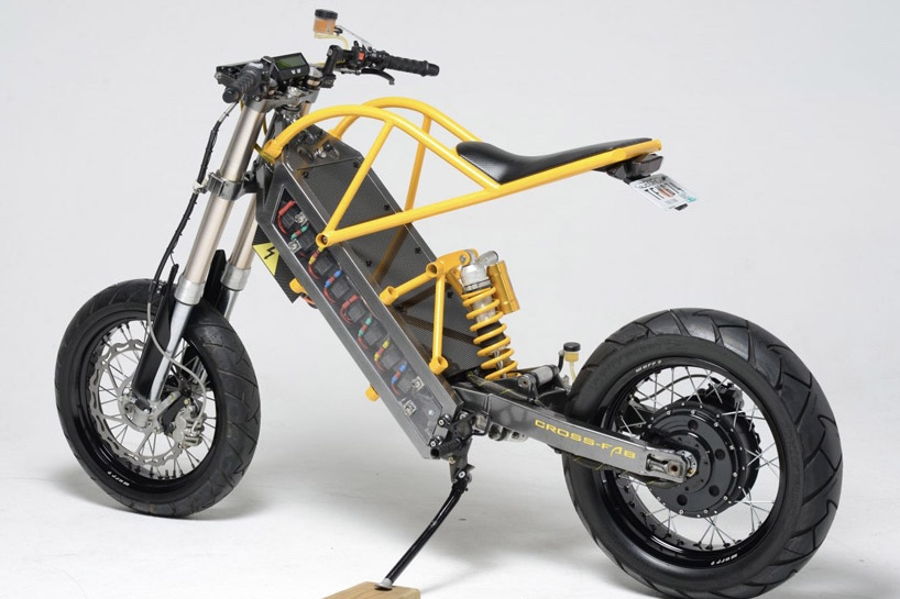 This Electric Motorcyle Runs On Battery Power... 1