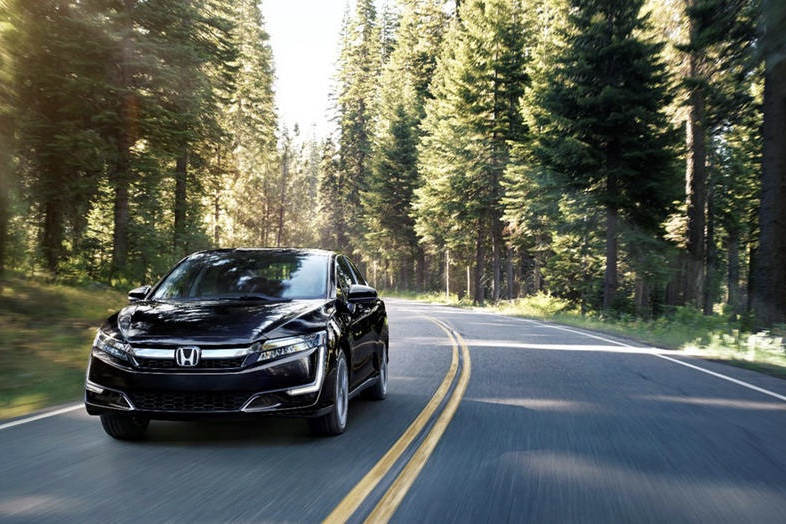 The 2018 Honda Clarity Will Offer The Best in Class All-Electric Range! 1