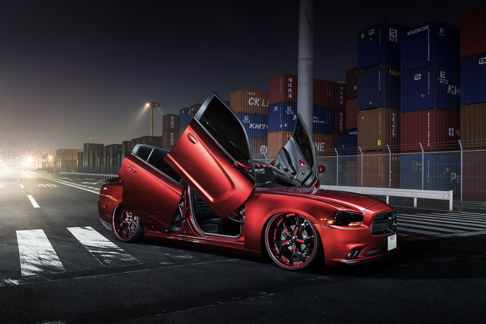 The Dodge Charger roars for your attention! 1