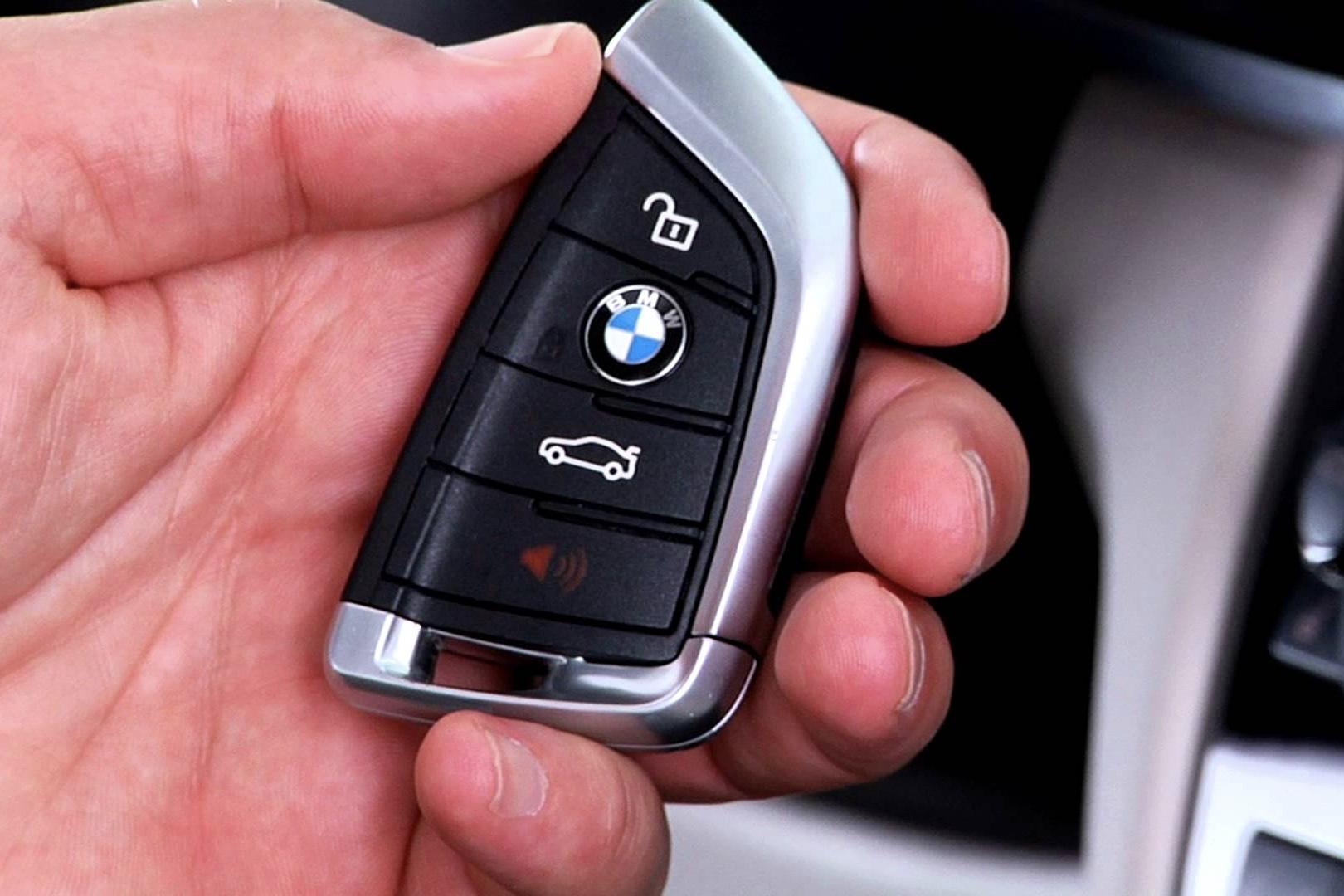 Bmw Considers Ditching Car-keys! 1