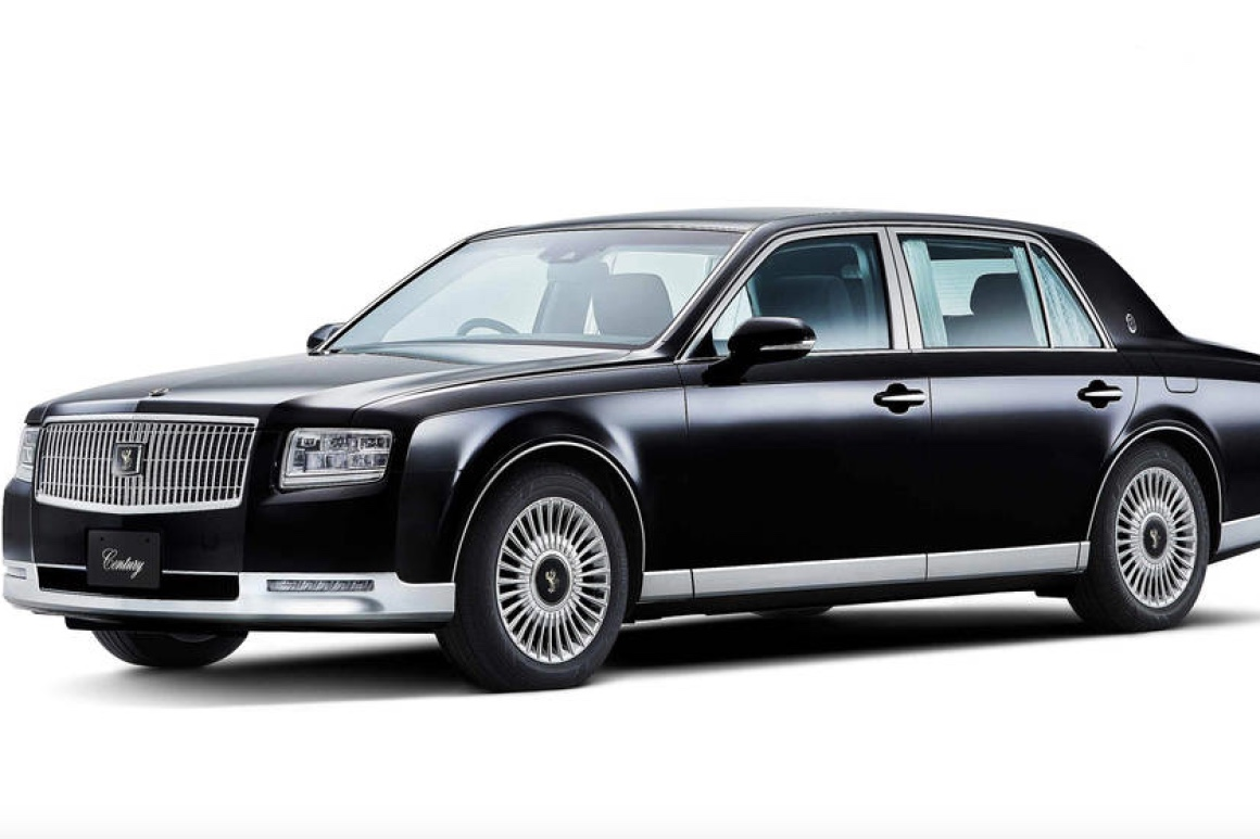 The Toyota Century Finally Coming Into This Century! 1