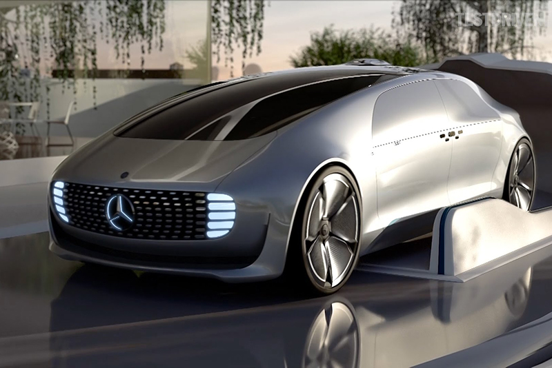 Video: Mercedes-Benz F 015 – The Futuristic Taxi 1