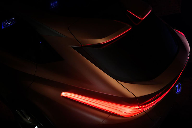 Lexus teases with its LF-1 Limitless crossover ahead of 2018 Detroit Motor Show 1
