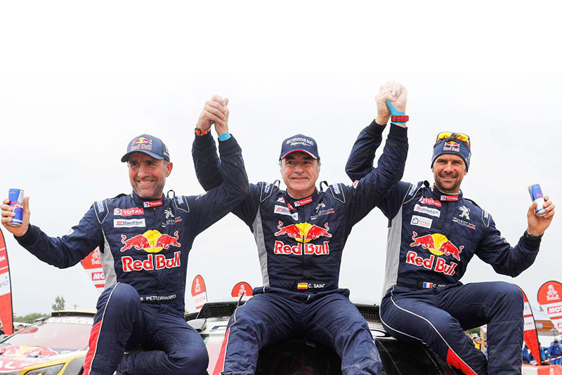 Video: Carlos Sainz wins the 2018 Dakar rally for the second time 1