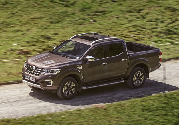 Video: The All New Renault Alaskan Double-cab Is Taking Names! 3