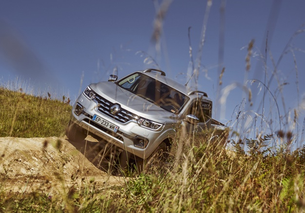 Video: The All New Renault Alaskan Double-cab Is Taking Names! 4