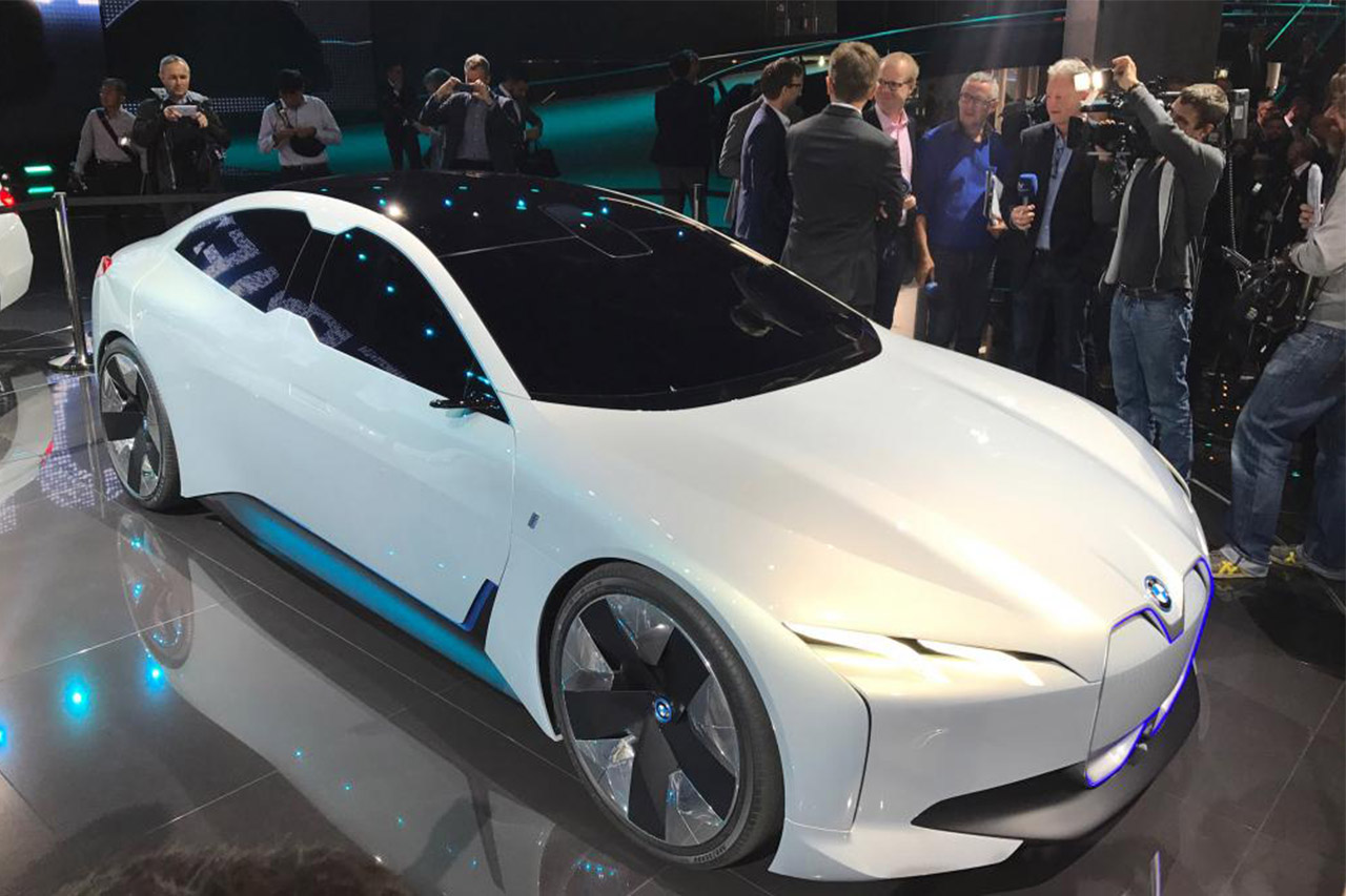New BMW i4 saloon confirmed with 435-mile range,2020,2018,new car,model s,tesla,electric vehicle,ev,concept,i8,i4,bmw,sxdrv,