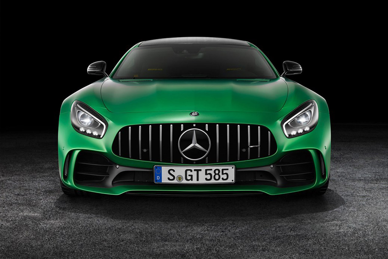 The Mercedes AMG GT R is F1's new 2018 safety car,sxdrv,sports car,super car,amg,mercedes gtr,gtr,mercedes,season,2018,safety car,formula 1,f1,