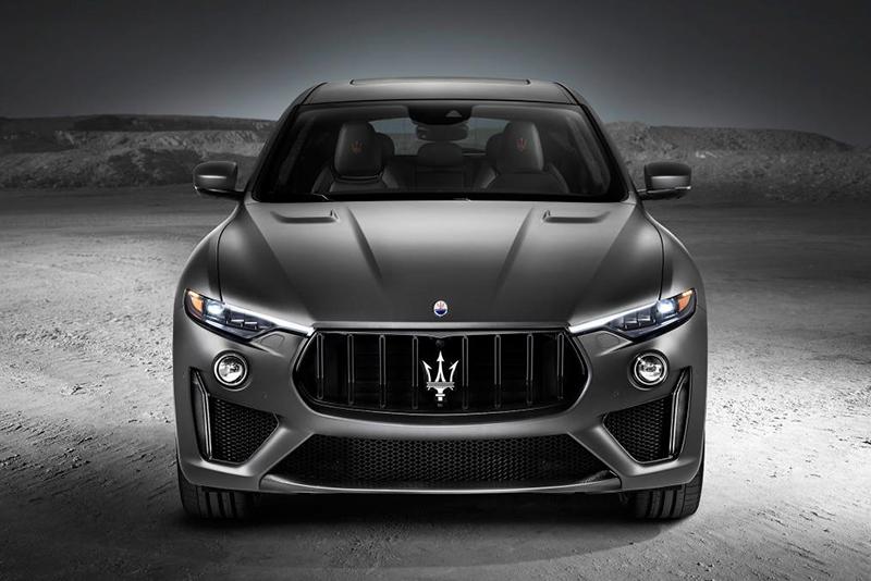 Corsa driving mode,0-60mph in 3.9 seconds,Q4 Intelligent All-Wheel Drive,730Nm,590bhp,3.8-litre twin-turbo V8,the world's fastest SUV,New York Motor Show,performance SUV,Maserati Levante Trofeo,