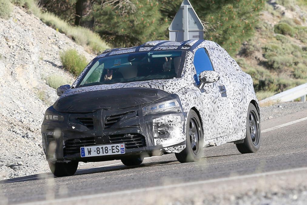 New 2019 Renault Clio Caught On Camera 2