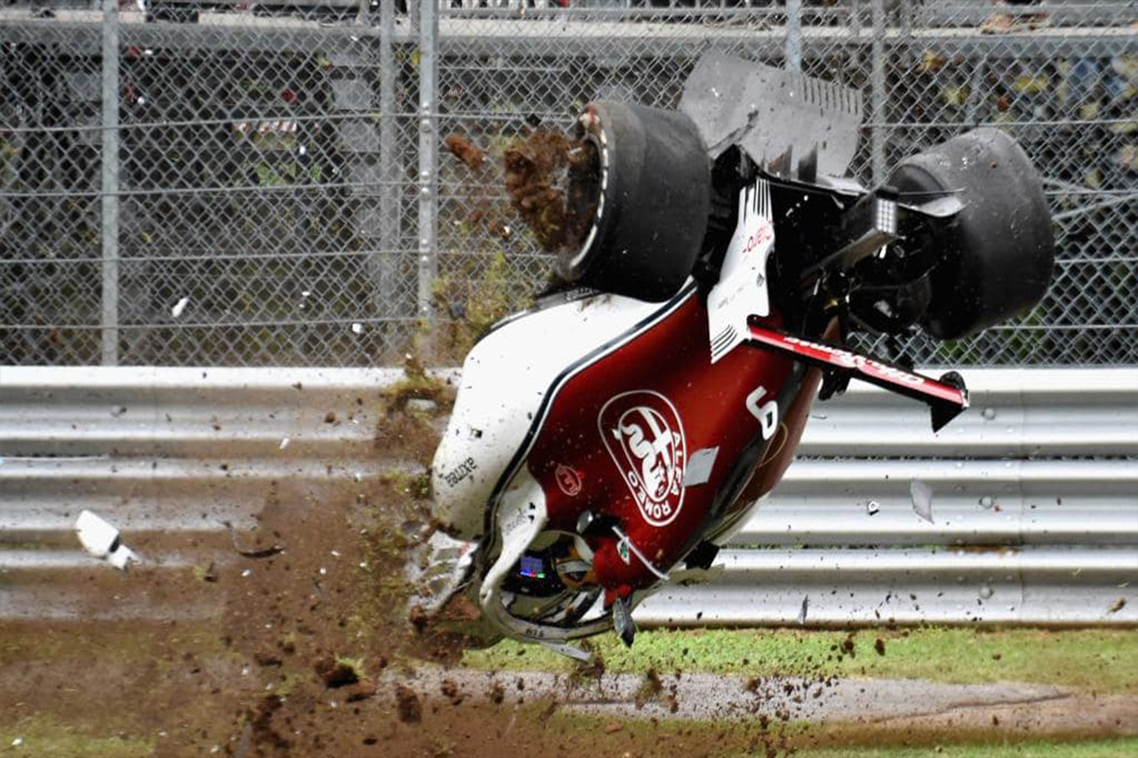 F1 Driver Marcus Ericsson Somehow Walks Away From Crash Caused By DRS Failure 1