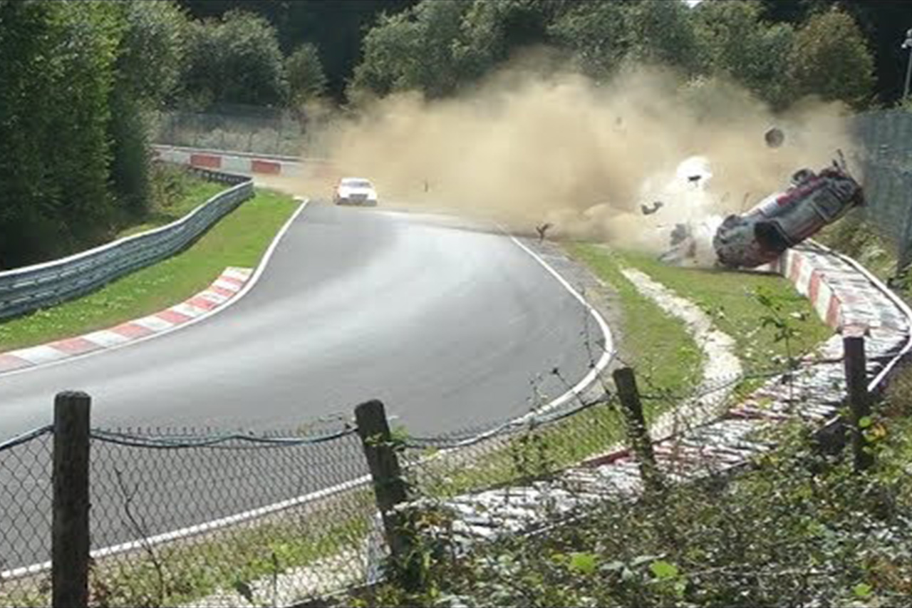 911 Flipped 10 Times On The Nürburgring And The Driver Walked Away 1