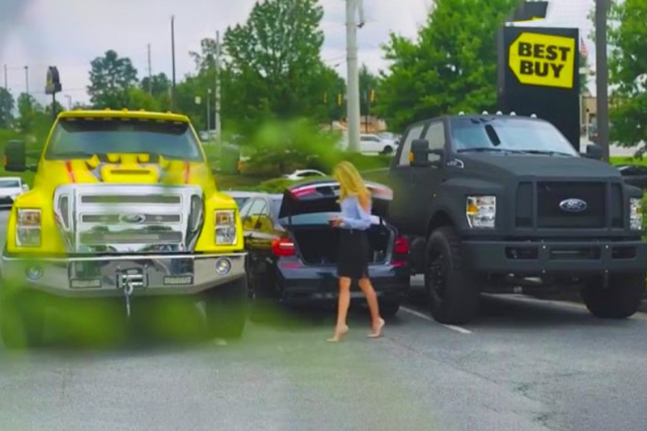 Two Truck Owners Try Prank Lady By Blocking Her Car, But Who