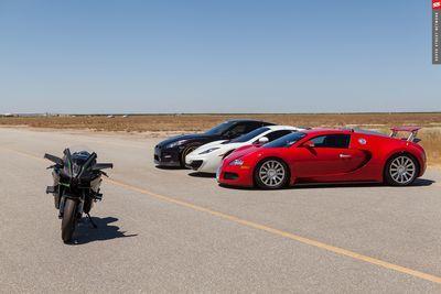 Video: World's Fastest Hyperbike Races Bugatti Veyron, 1350hp Gt-r & Mclaren 12c On Airstrip. Amazing Results!