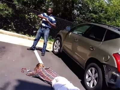 Video: You Want To Steal My Car? Think Again Ass*ole!!!