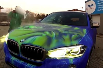 Video: Feel Like A Colour Change On Your Car? Well Simply Add Hot Water.