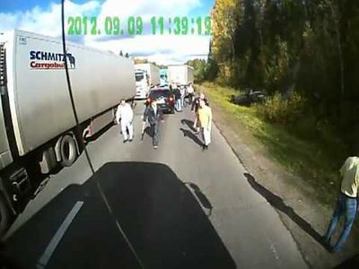 Video: Highway Bandits Learn Not To Mess With Russian Truckers