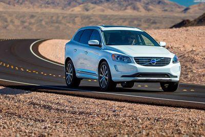 Video: Self Parking Volvo, It's More Like Self Crashing Volvo!