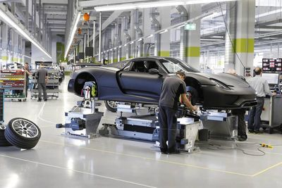 Video: The Making Of A Porsche 918 Spyder, Behind The Scenes From The Porsche Factory.