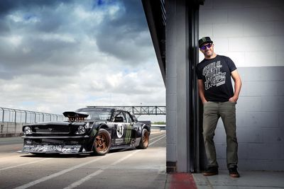 Video: How To Drift: By Ken Block And His Legendary 845hp Hoonicorn.