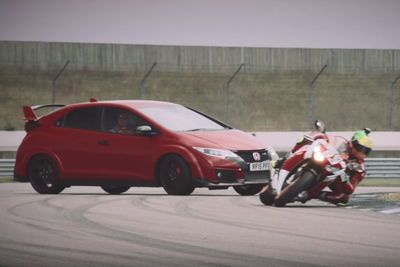 Video: Honda Civic Type R Vs Honda Cbr1000rr Track Battle!