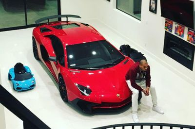 Chris Brown Just Bought Himself A Aventador Sv!