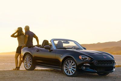 Fiat 124 Spider Revealed At 2015 La Motor Show