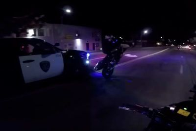Video: Police Almost Takes Out Wreckless Stunt Rider In Crazy Street Chase!