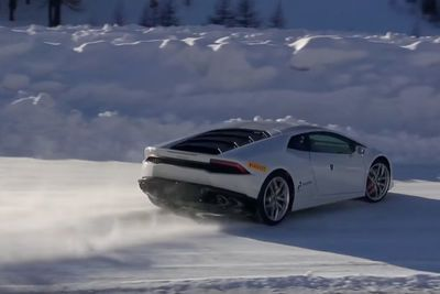 Video: Lamborghini Huracans Drifting On The Snow!