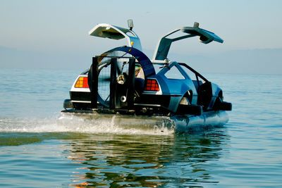 Video: The Delorean Hovercraft. Back To The Future With A Twist...