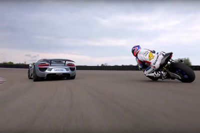 Video: One Of The Most Badass Supercars, The Porsche 918 Spyder Takes On The New Yamaha Yzr-r1!