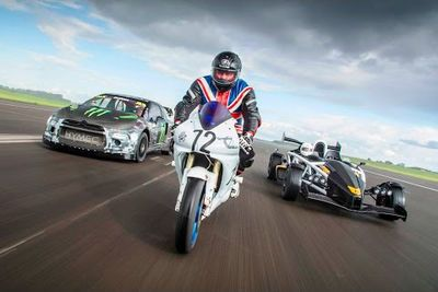 Video: Watch This Yamaha R1 Vs Ariel Atom Vs Rallycross Car Drag Race!