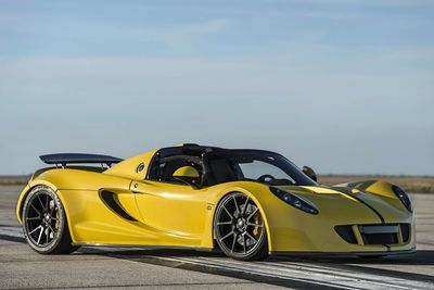 Video: The Hennessey Venom Gt Spyder Just Set A 265-mph World Record, In A Convertible!