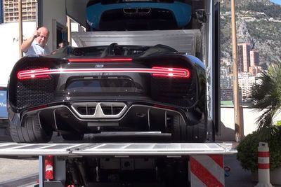 Video: Brand new Bugatti Chiron getting unloaded in Monaco!