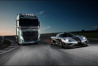 Video: Strangest Drag Race Ever. Koenigsegg One:1 Vs A Volvo Fh Truck