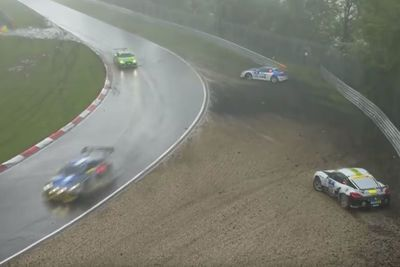 Video: This Is What A Real Storm During A Race Looks Like! Brutal Weather At The 24h Nurburgring!