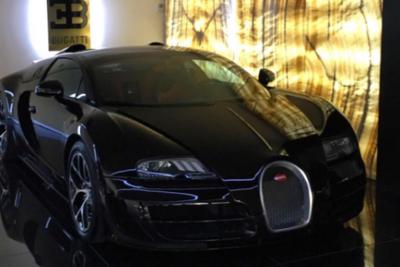 Cristiano Ronaldo Buys Bugatti Veyron Super Sport