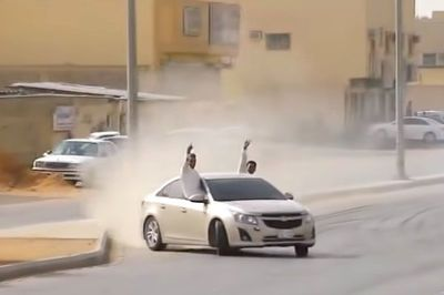 Video: Nut Bags Caught Drifting In Saudi Arabia Were Rarely Punished, Now Days They Can Get Years In Prison And Hundreds Of Lashes, Some Give Zero F**ks Though With Suicidal Public Shows!