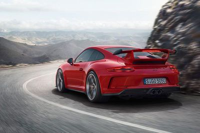 Video: New Porsche 911 Gt3. Welcome Back Manual Gt3