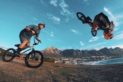 Video: Gopro Bmx Through The City Of Cape Town, South Africa