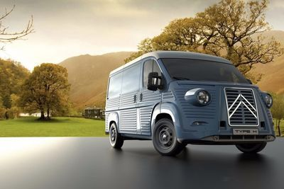Video: Body Kit Transforms New Citroen Jumper Into A Classic Type H Van!