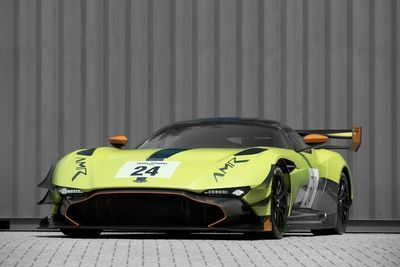 Aston Martin Upgrades The 820hp Vulcan, Results Are Amazing!!