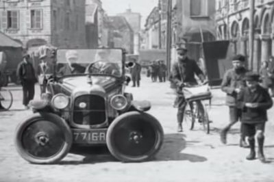 Video: This 1927 Parking Technology Is Simply Insane!
