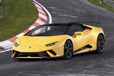 Video: The Lamborghini Hurcan Performante Hits The Tracks, Again!